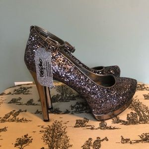 NWT Mossimo brand pewter glitter heels.